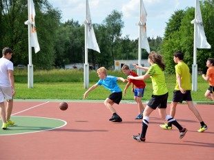 Уличные детские и спортивные площадки