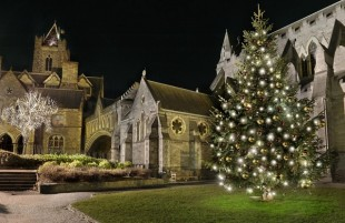 medium-DublinAtChristmas_Christchurch2_with_light