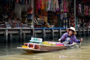 boat-street-city-travel-vendor-vehicle-148486-pxhere.com