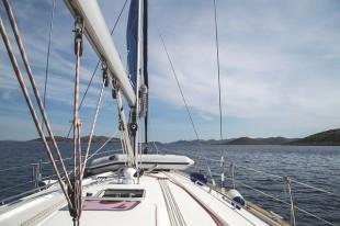 sailboat-950352_640