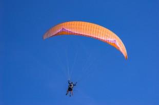 paraglide-3652578_640