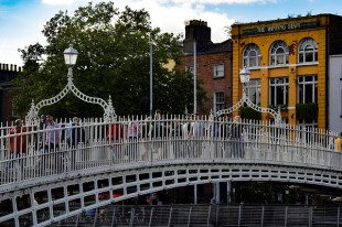 the-hapenny-bridge-2539599_640